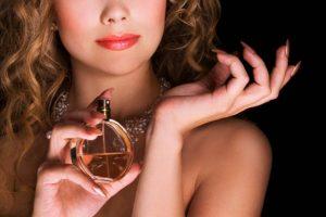 parfüm sıkmak
