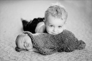 yenidoğan bebek ve kardeş